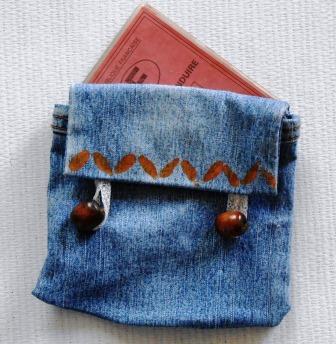 pour changer de sac à main rapidement : rangez tout dans des poches pratiques à transférer