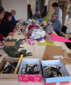 L'atelier Tota&co crée des maniques improbalbes au CCAS d'Evreux 30 mars 2015 - Copie